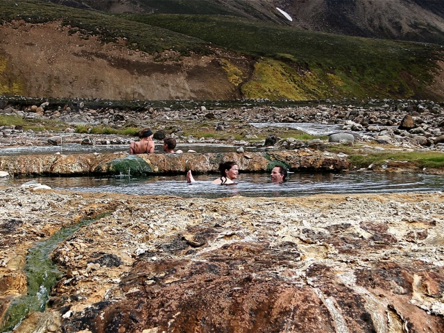Strutslaug hot spring pool
